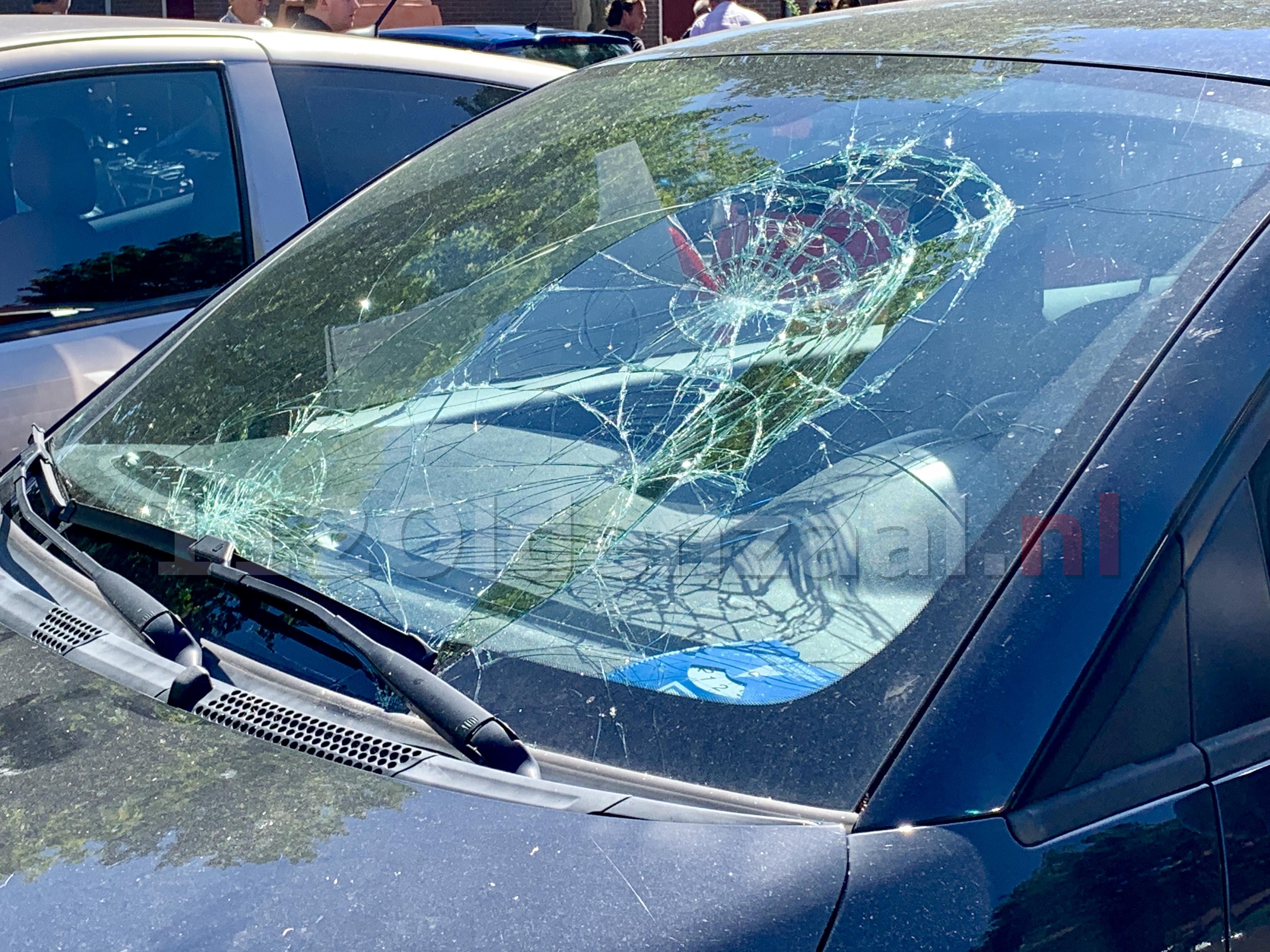 Kind gewond naar het ziekenhuis na aanrijding met auto in Oldenzaal