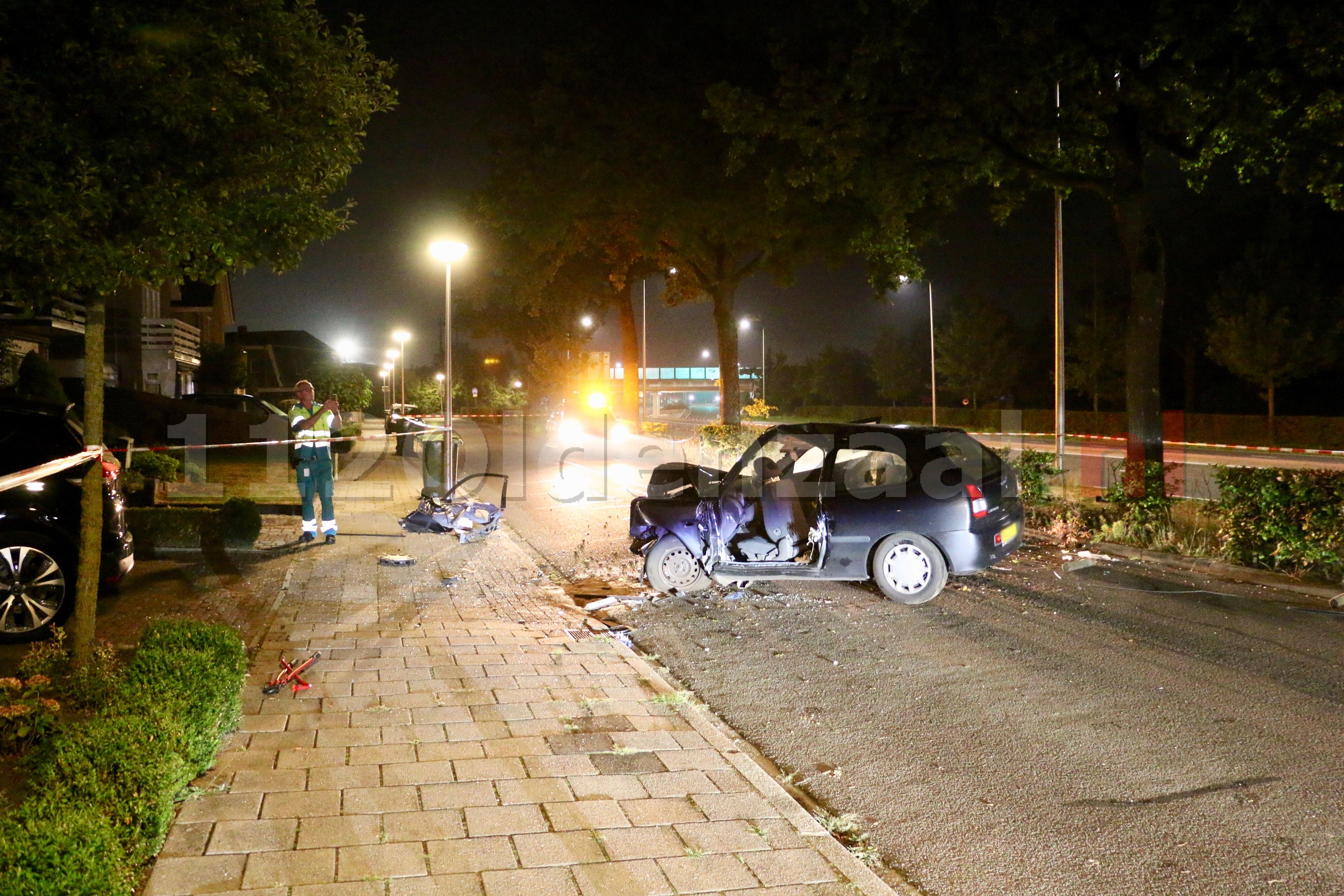 UPDATE (foto's): Drie gewonden bij ernstig ongeval in Oldenzaal