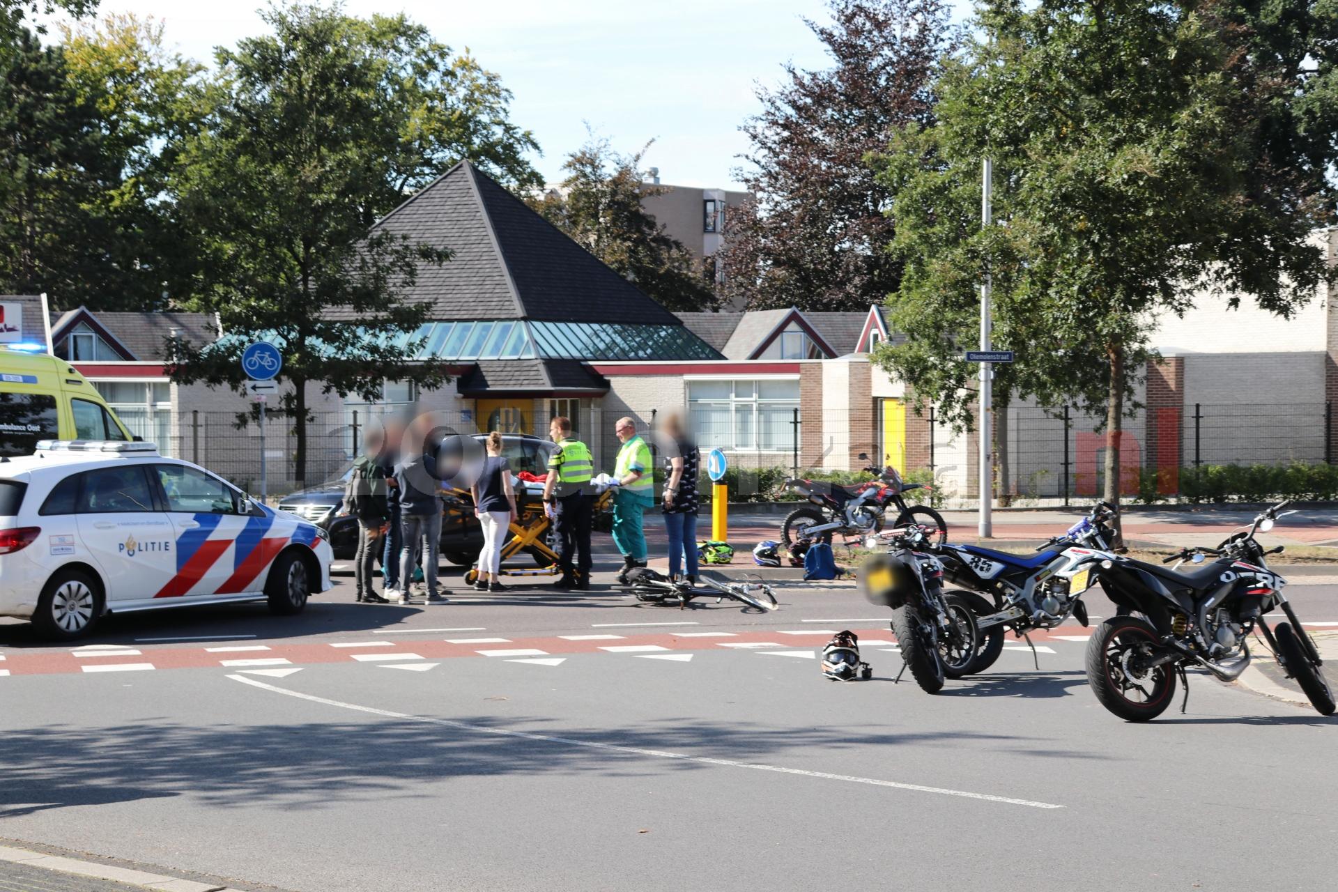 Fietsster gewond naar het ziekenhuis na ongeval in Oldenzaal