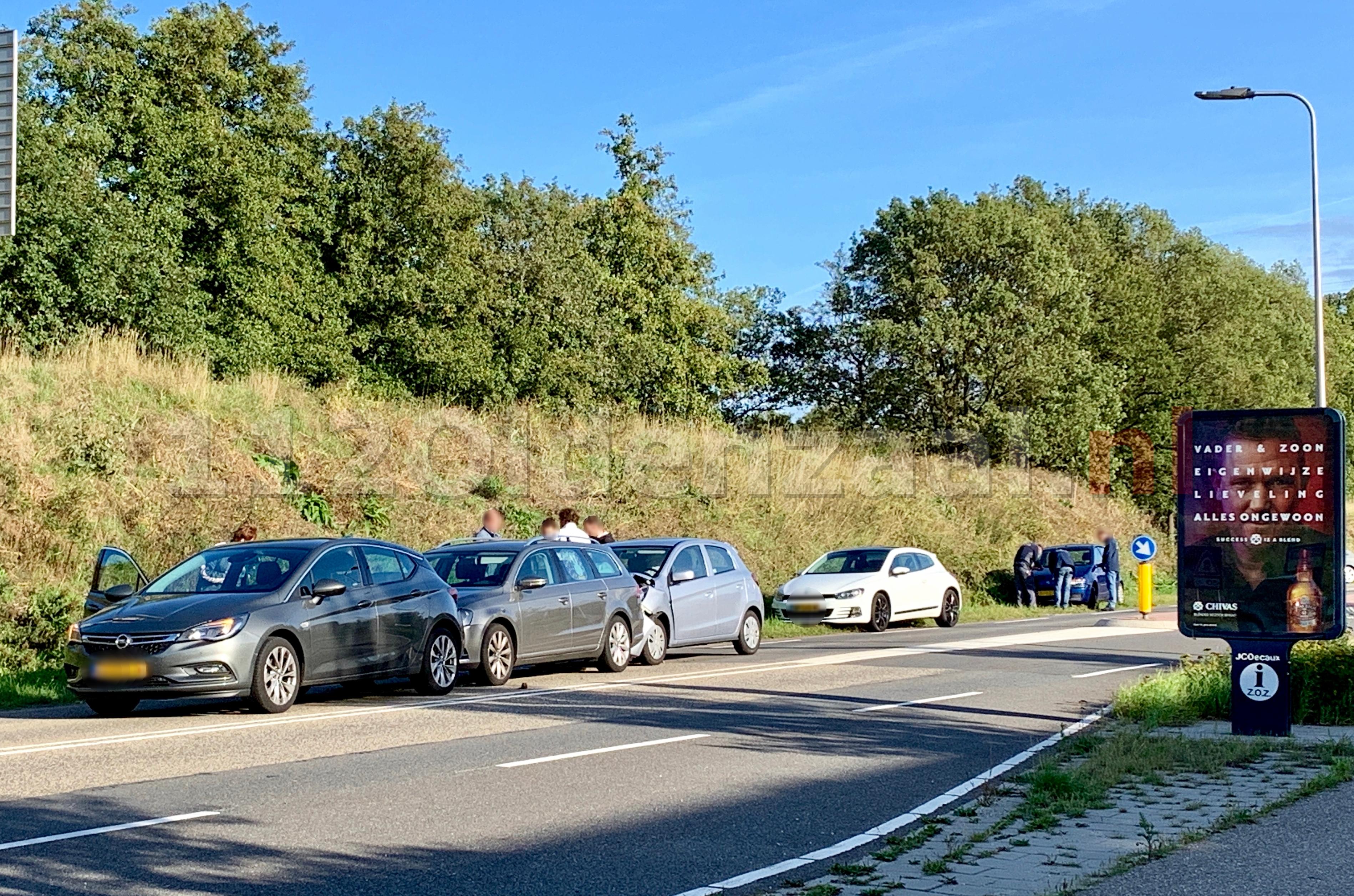 Meerdere voertuigen betrokken  bij kop-staartbotsing in Oldenzaal