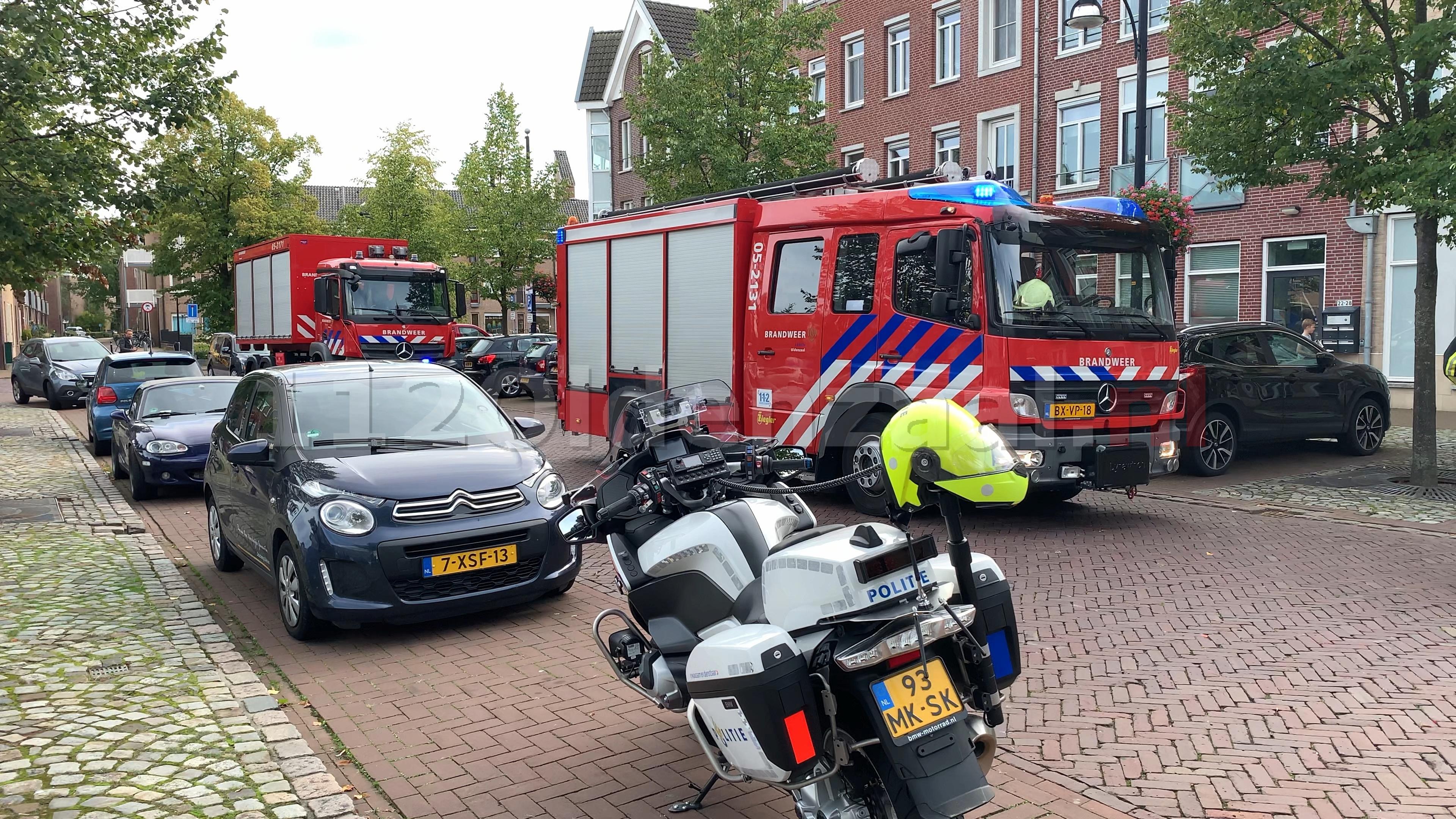 Video: Brandweer rukt uit voor melding gaslucht op Ganzenmarkt in Oldenzaal