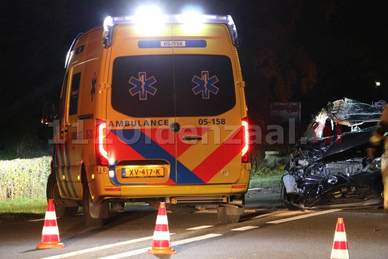 Twee paarden overleden na aanrijding met auto tussen Oldenzaal en Weerselo