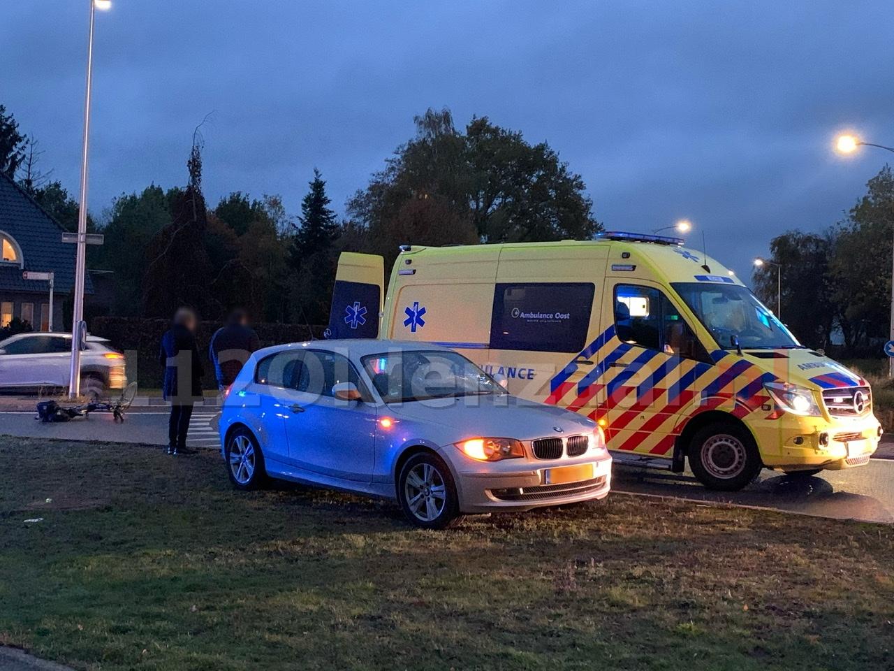 Fietsster gewond bij aanrijding op rotonde in Oldenzaal
