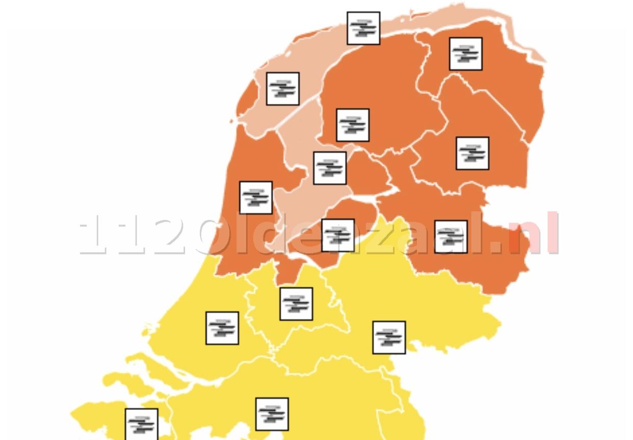 """KNMI: """"Code oranje: In de noordelijke helft lokaal zeer dichte mist, vanaf de jaarwisseling plaatselijk minder dan 10 meter"""""""
