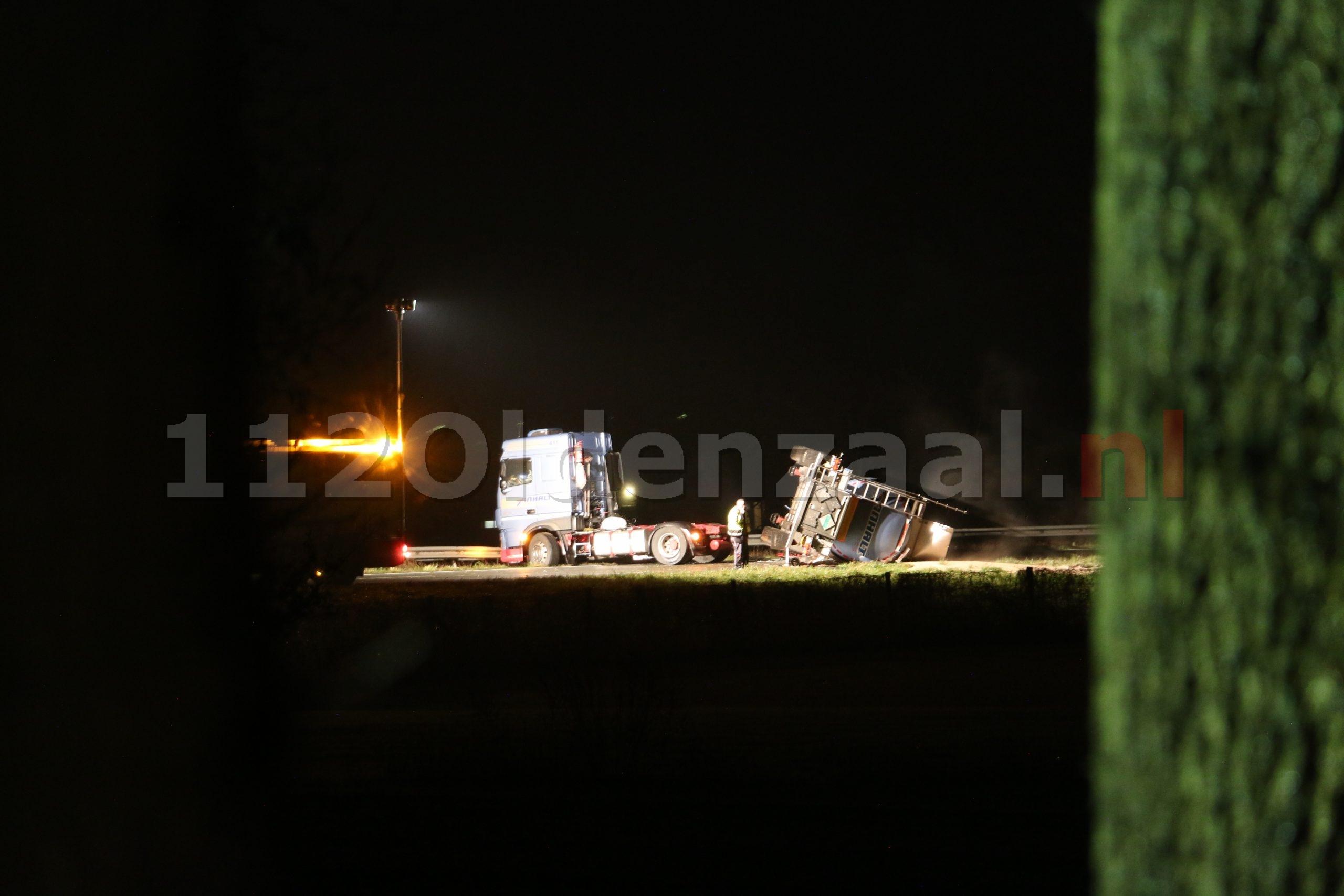 VIDEO: Tankwagen gekanteld op de A1 bij De Lutte, snelweg nog uren afgesloten