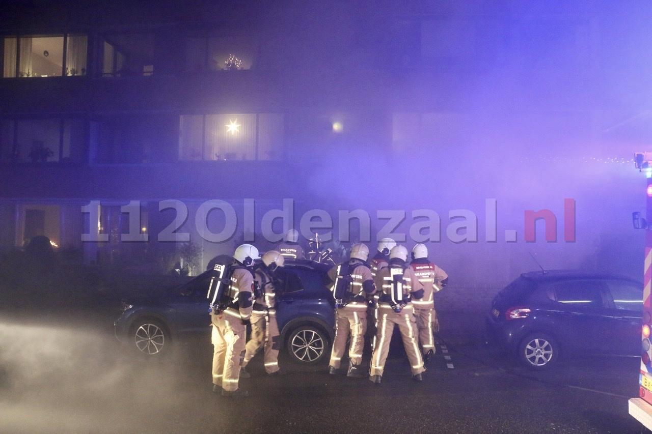 VIDEO: Gasfles vat vlam; woningen in Oldenzaal lopen flinke schade op