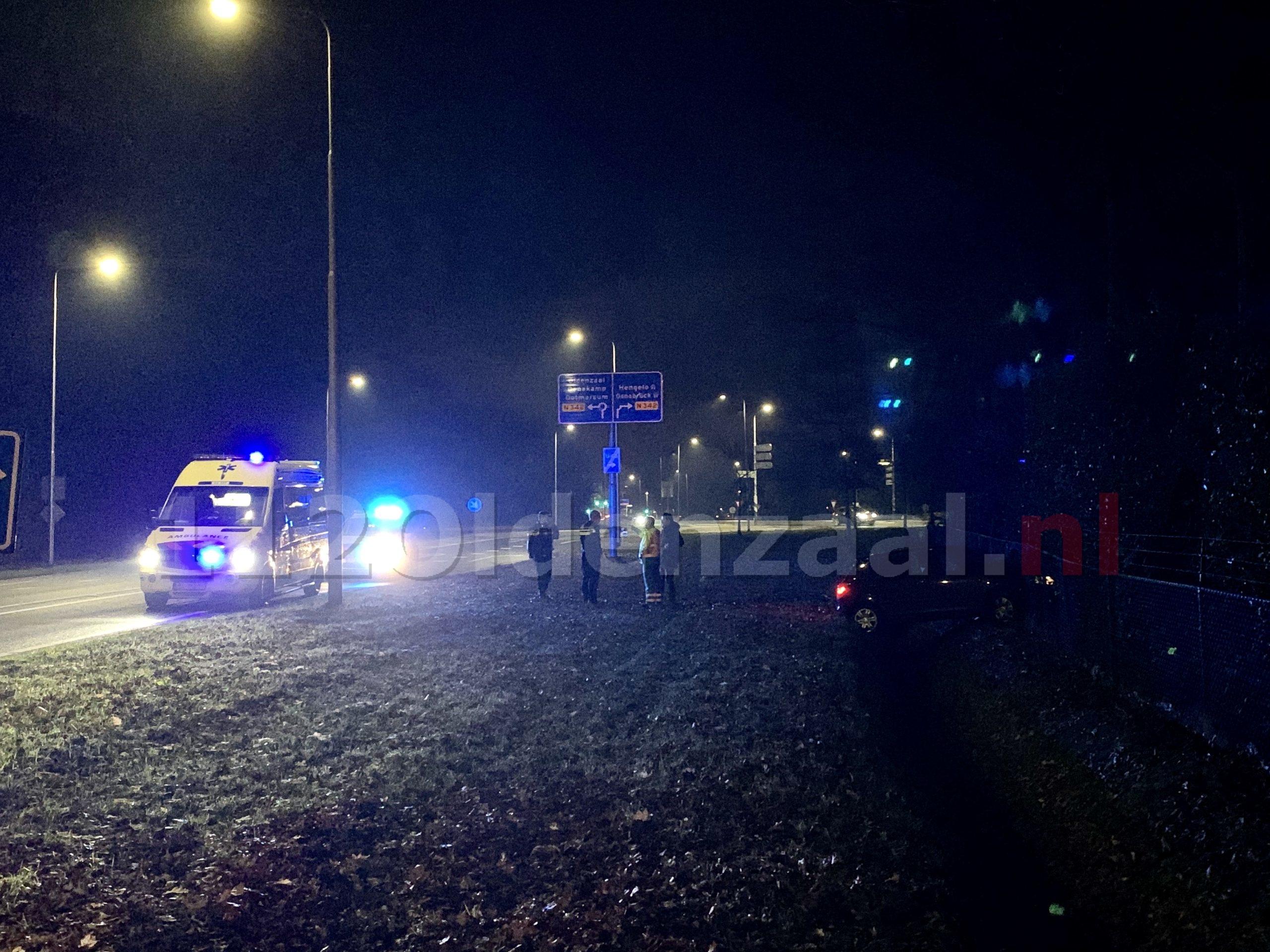 Automobilist raakt van de weg in Oldenzaal