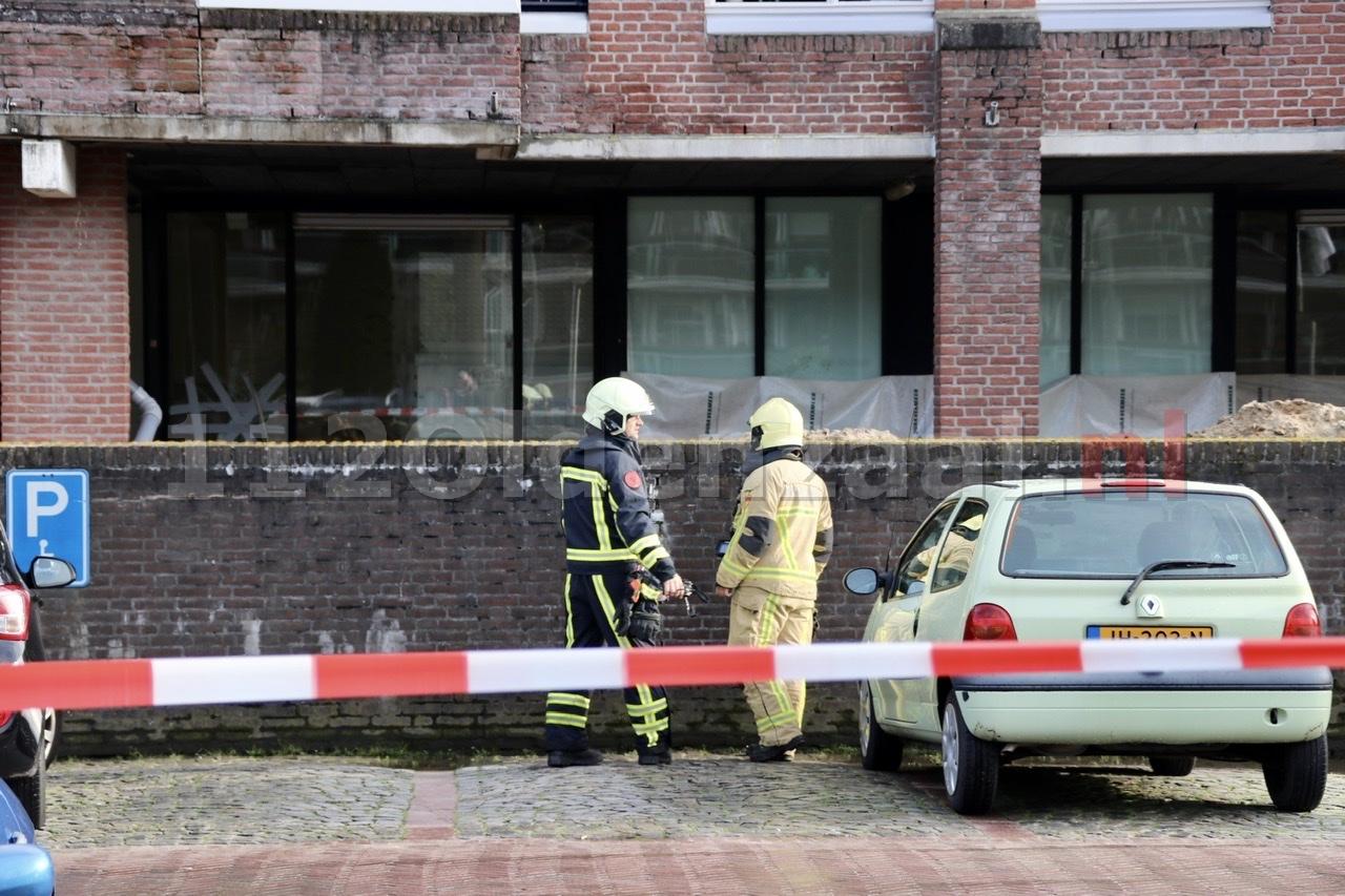 Gaslek in centrum Oldenzaal; deel parkeerplaats afgezet