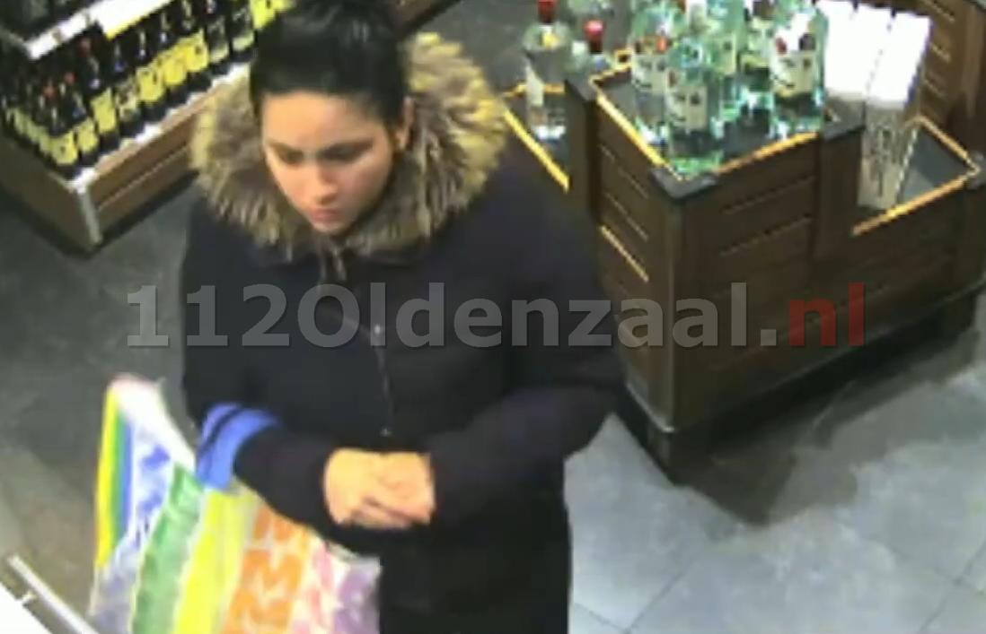 VIDEO: Vrouw steelt voor 650 euro aan flessen champagne bij supermark in Oldenzaal