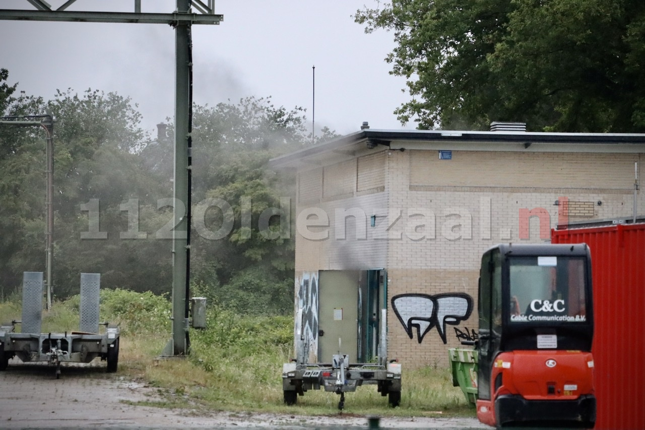 UPDATE: Station Oldenzaal ontruimd door brand in transformatorgebouw