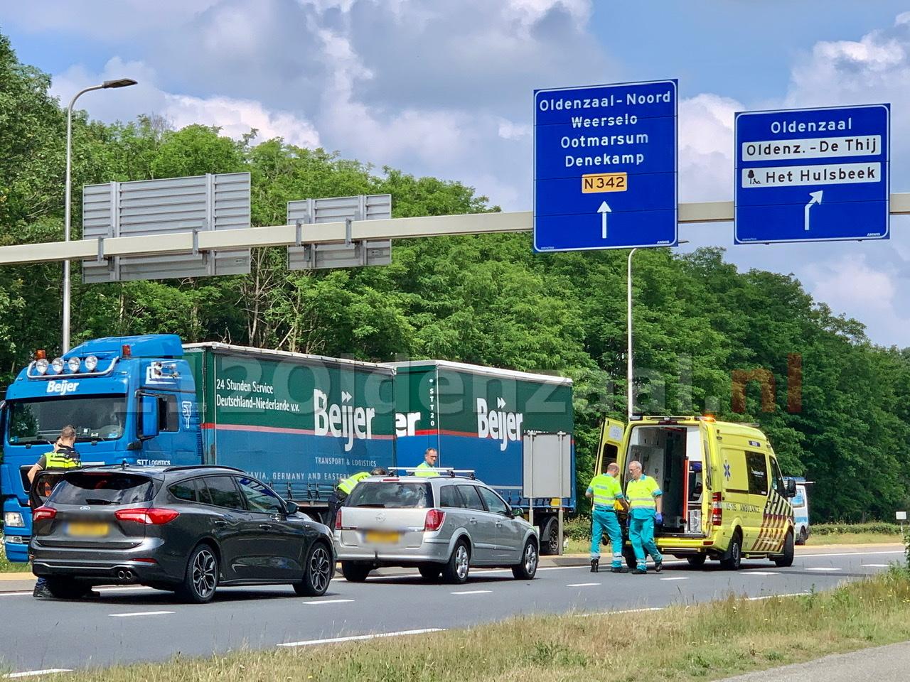 UPDATE: Rondweg Oldenzaal tijdelijk afgesloten geweest na ongeval