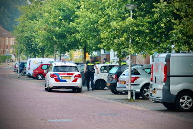 Politie valt flat Oldenzaal binnen, een persoon aangehouden