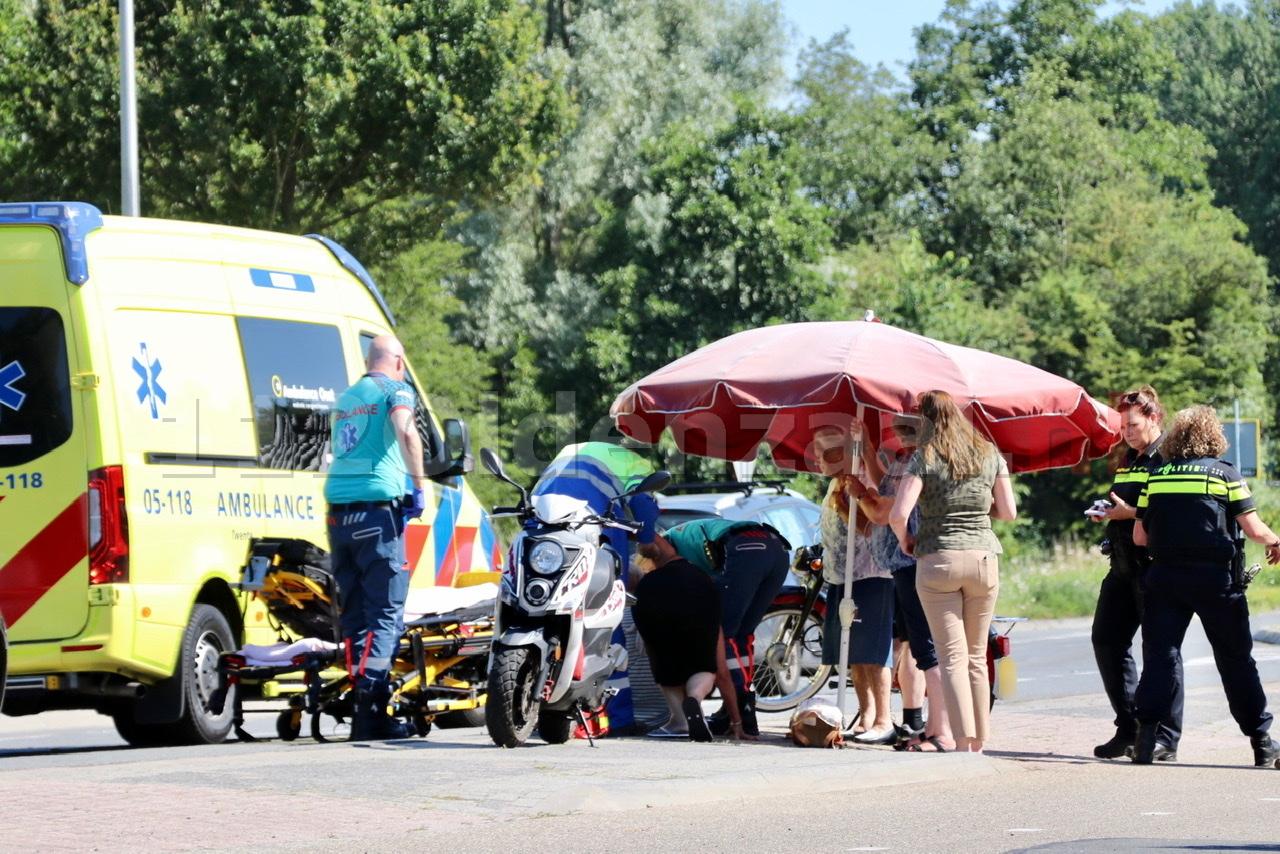 Zundapp-rijder gewond naar het ziekenhuis na ongeval in Oldenzaal