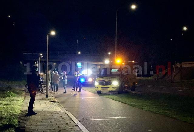 Fietser in Oldenzaal gewond naar het ziekenhuis na val