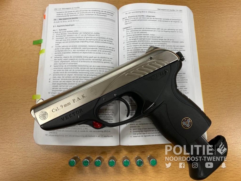 Minderjarige met vuurwapen aangehouden in Oldenzaal