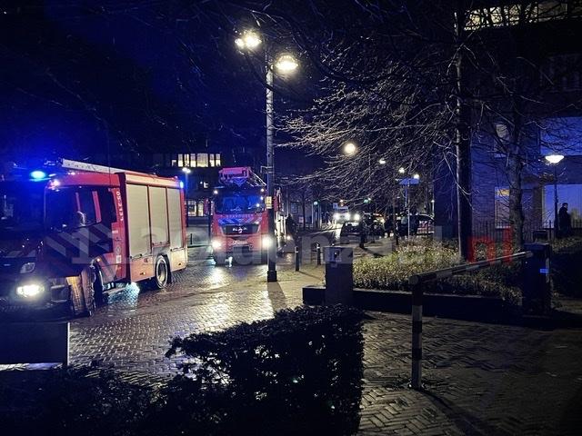 UPDATE: Hulpdiensten rukken massaal uit voor melding brand in appartementencomplex Oldenzaal