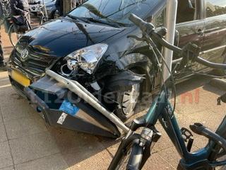 Forse schade bij ongeval parkeerplaats winkelcentrum Zuid-Berghuizen