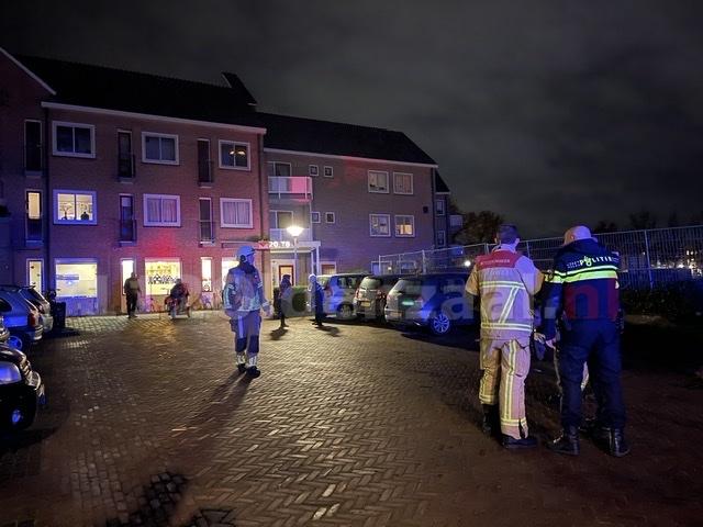Hulpdiensten rukken massaal uit voor melding brand in appartementencomplex Oldenzaal