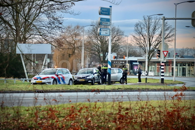 Schade bij ongeval tussen twee voertuigen in Oldenzaal