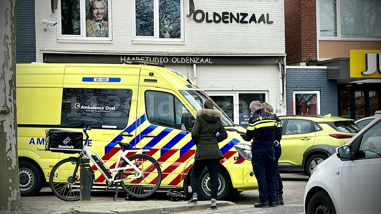 Pizzabezorgster gewond na ongeval in Oldenzaal