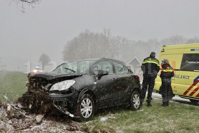 Vrouw gewond bij ongeval in Rossum